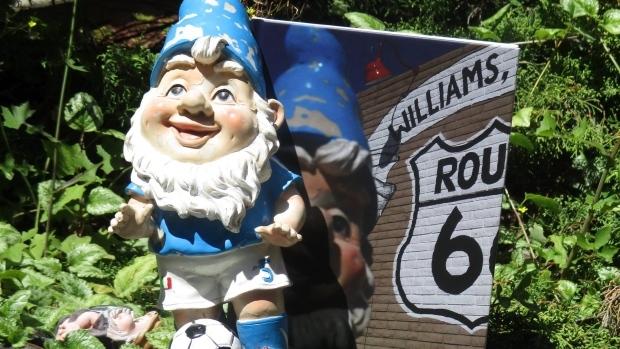 garden-gnome-bev-york-1